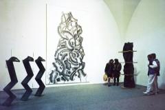 der-berg-steht-auf-ausstellung-galerie-der-kuenstler
